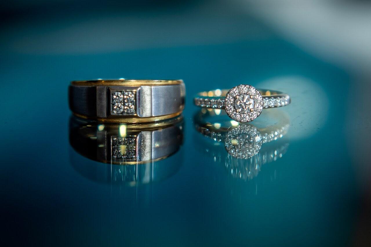 Hadiah Cincin Berlian Untuk Pria