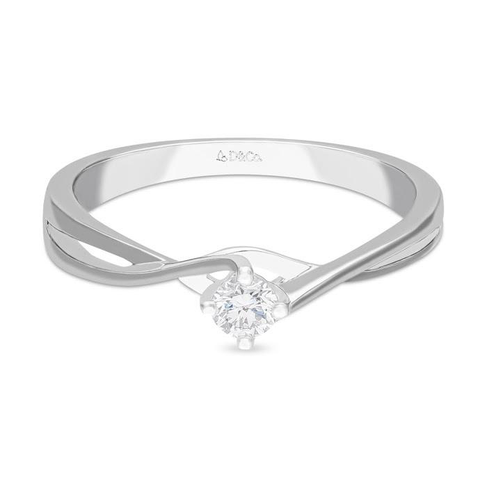 Hadiah cincin berlian untuk wanita